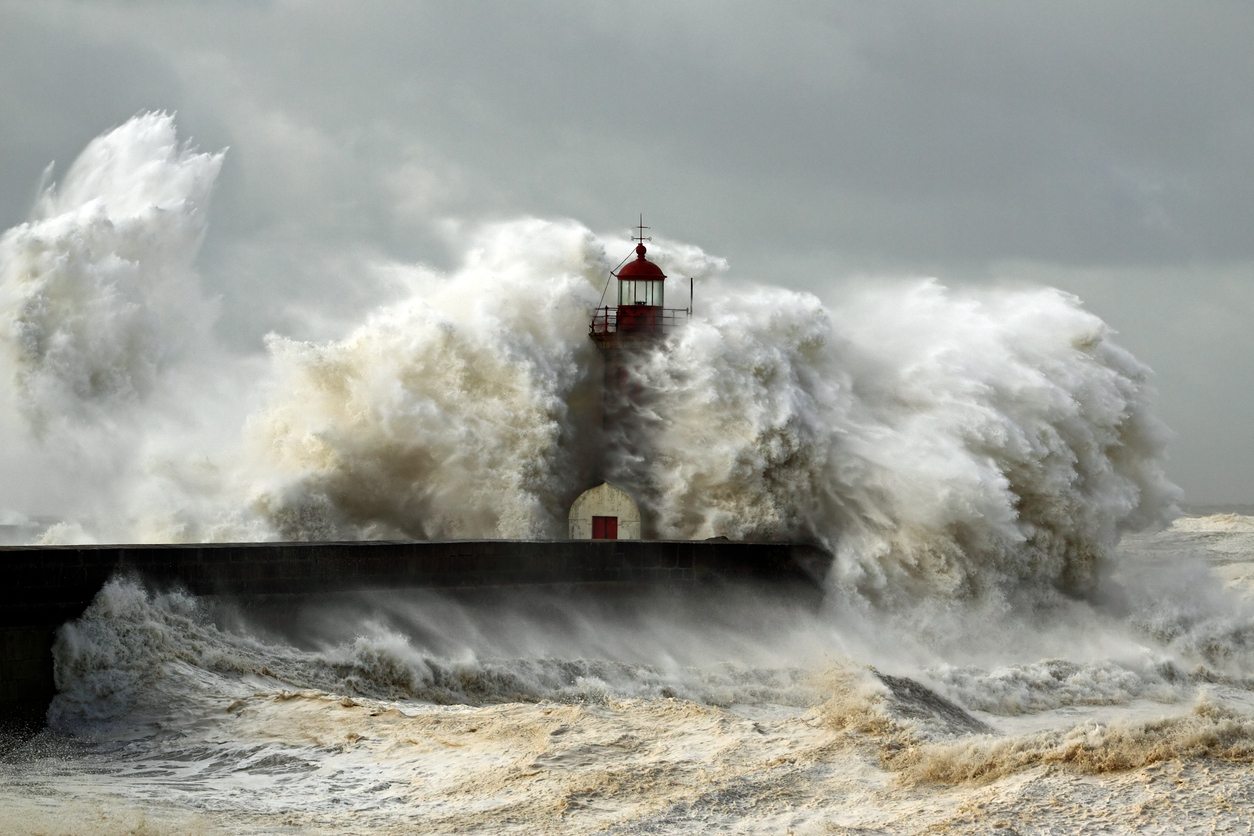 Entry of Douro River harbor on the first big storm of the year; Wind gusts reach 140 Kms; photo taken on Jan. 19, 2013.
